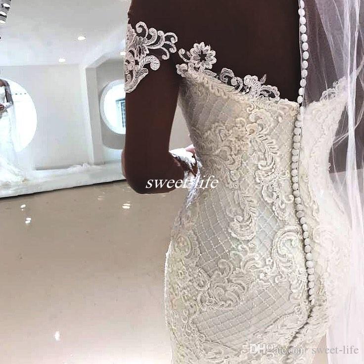 Plus la taille manches longues en dentelle robes de mariée Illusion cou boutons Retour Perles chapelle Train Perles 2017 Custom Vintage Robes De Mariée De Mariage