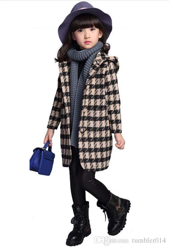 7872cfb59 offer discounts 7333c 6400d these kids in canada tied winter coats ...