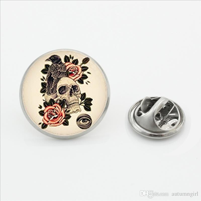 2017 New Sugar Skull Clasp Pin Handmade Round Flower Skull Jewelry Butterfly Brooches Pins Glass Photo Lapel Pins for Men Women