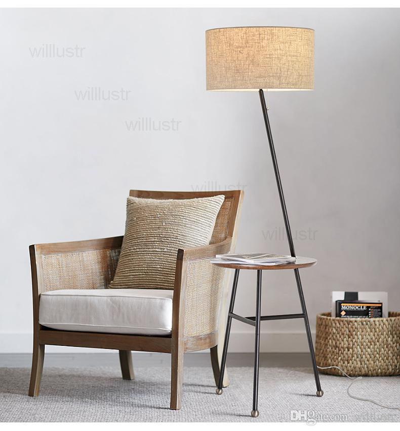 Lampada da terra moderna lynn con tavolo rotondo in legno massello di rovere nordico paralume in tessuto