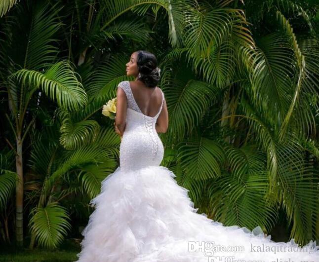 Arapça Stil Artı Boyutu Gelinlik 2016 Lace Up Geri Plaj Gelin Elbise Derin V Boyun Boncuk Katmanlar Mermaid Gelinlikler Şapel Tren