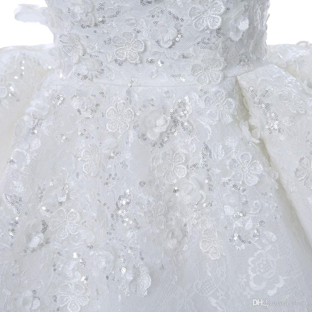 Ball Gown Prom Dresses Strapless Sleeveless Flower Appliques Sequin Beaded Hi-Lo Prom Dress Lace Ruffles Tiered White Evening Formal Dresses