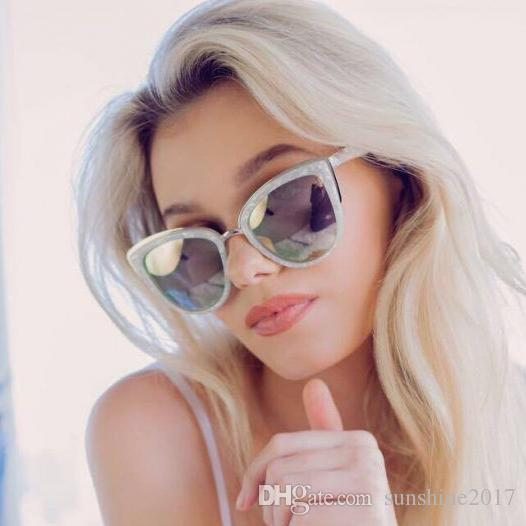 Acheter Mode Rose Argent Chat Yeux Lunettes De Soleil Femme Marque Miroir  Lunettes De Soleil Pour Les Femmes 2017 Quai Style Célébrité Préféré Verre  Cateye ... 85dd06af5e28