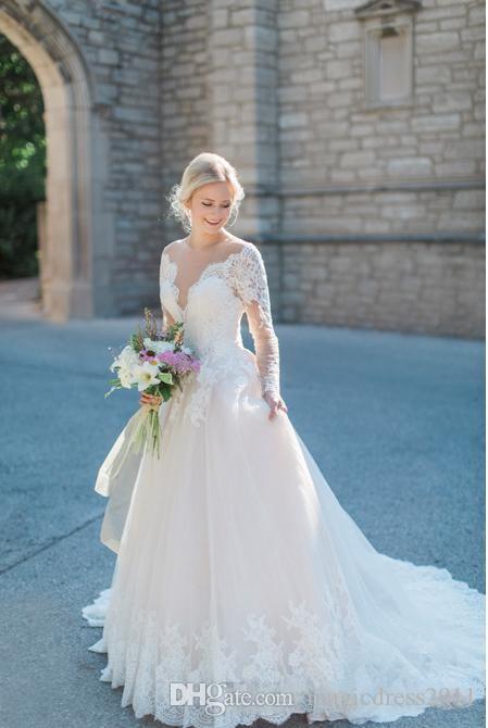Elegante vestido de novia de encaje de Francia Ilusión Tulle cuello Apliques de manga larga Marfil Vestidos de novia Cuello festoneado Corte de tren 2019 Modesto