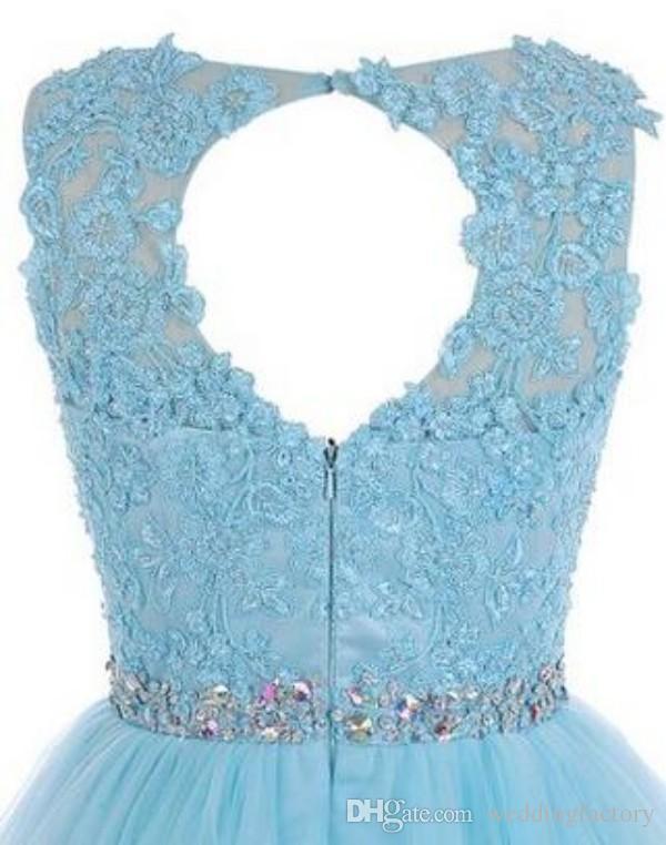 Stunning Short Prom Dress Black Light Blue Vintage Lace Appliques Sheer Bateau Neckline Open Back Sweet 16 Formal Party Gowns Crystals Sash