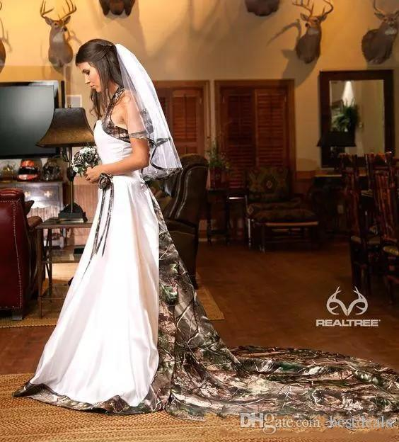 Vintage Country Realtree Camo White Wedding Dresses 2020 Halter Sweep Train Backless A-line Cheap Plus Size Garden Bridal Gowns Custom Made
