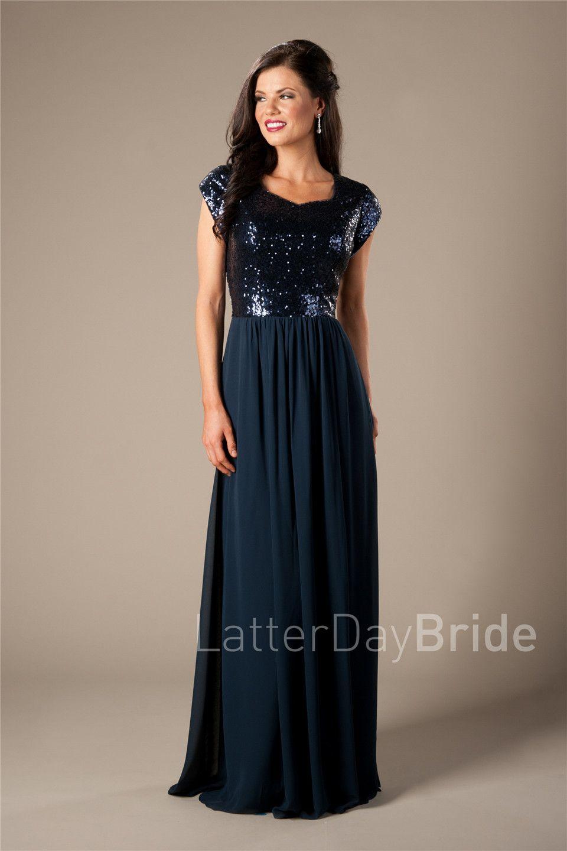 Azul-marinho escuro longo chiffon modesto vestidos de dama de honra para o boné de casamento mangas curtas A-linha comprimento do piso da praia Templo empregadas de vestidos de honra