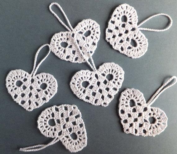Decorações de corações brancos - Decorações de casamento - corações de crochê - enfeites de corações brancos - Enfeites de árvore de Natal - conjunto de 12 sd44