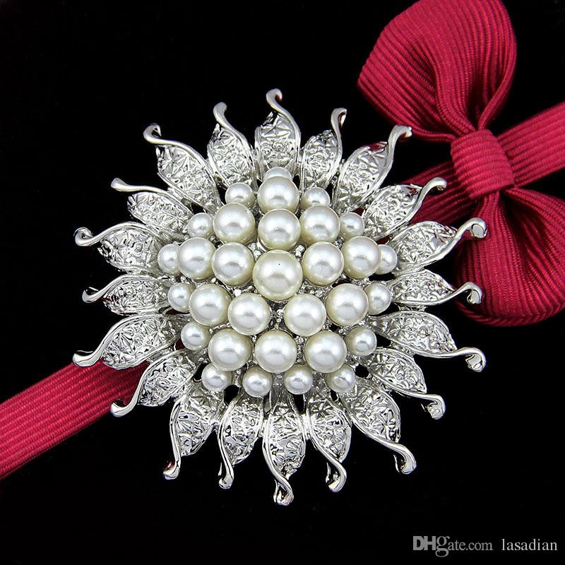 Cheapest High Quality Platinum Silver Plated Flower Five Cream White Simulated Pearl Brooch Bouquet for Wedding
