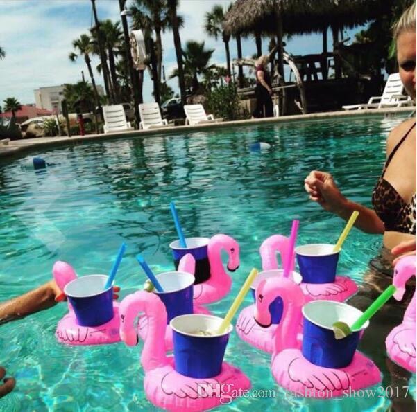 طيور النحام دونات البطيخ الأناناس نفخ الوقايات بركة دونات العائمة الوقايات العائمة شرب كأس حامل حمام اللعب