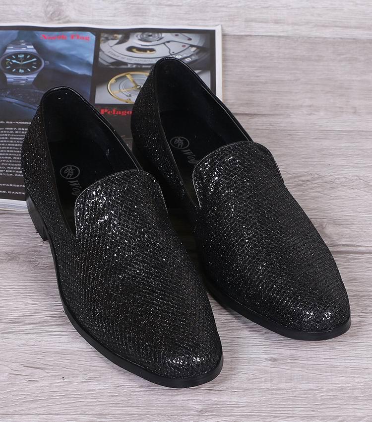 Scarpe di cuoio nere di svago di vendita calde delle donne Scarpe rotonde di punta di modo di svago sulle scarpe piane il progettista delle scarpe di Loafer degli uomini 38-46