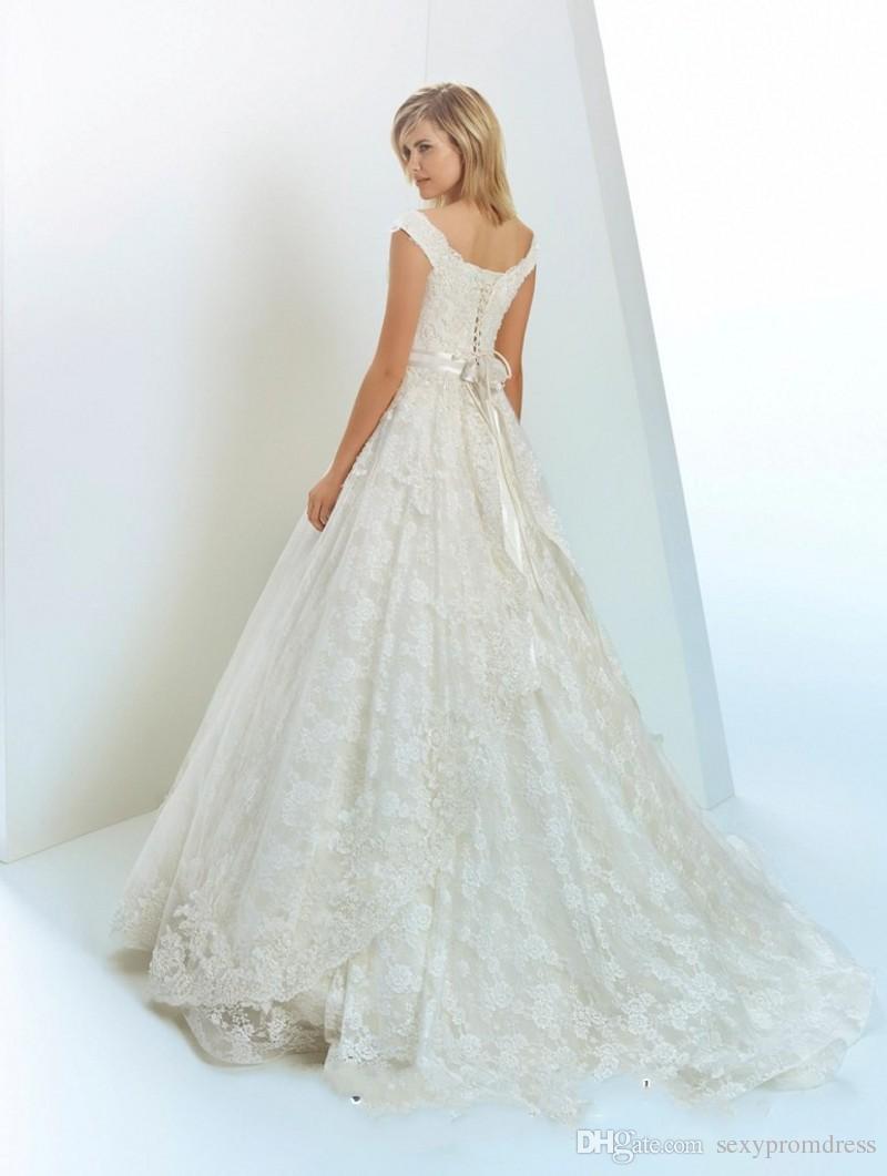 Robes de mariée en dentelle pleine de magnifique épaule dentelle vers le haut une ligne robes de mariée avec des robes de mariage de train fait main balayage de fleurs sur mesure