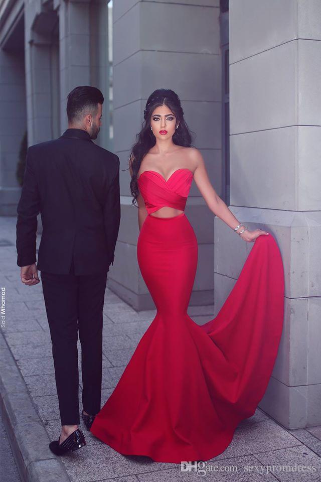 Sexy sirena roja vestidos de noche 2017 sin tirantes con volantes de la cintura cortada vestidos de baile longitud del piso de satén dijo Mhamad vestidos de fiesta formales