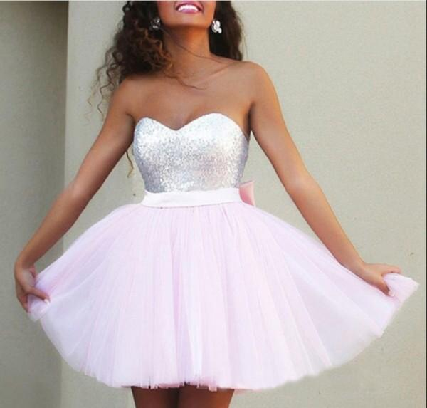 Sparkly Short Homecoming Dresses Cheap High Quality Graduation Dresses Sequined Top Sweetheart Neck Backless Light Pink Tulle Bow