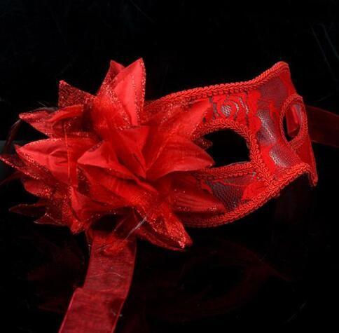 2017 nuova vendita calda sexy nero bianco rosso donne piume maschere mascherate veneziane una palla mascherata pizzo maschere di fiori i