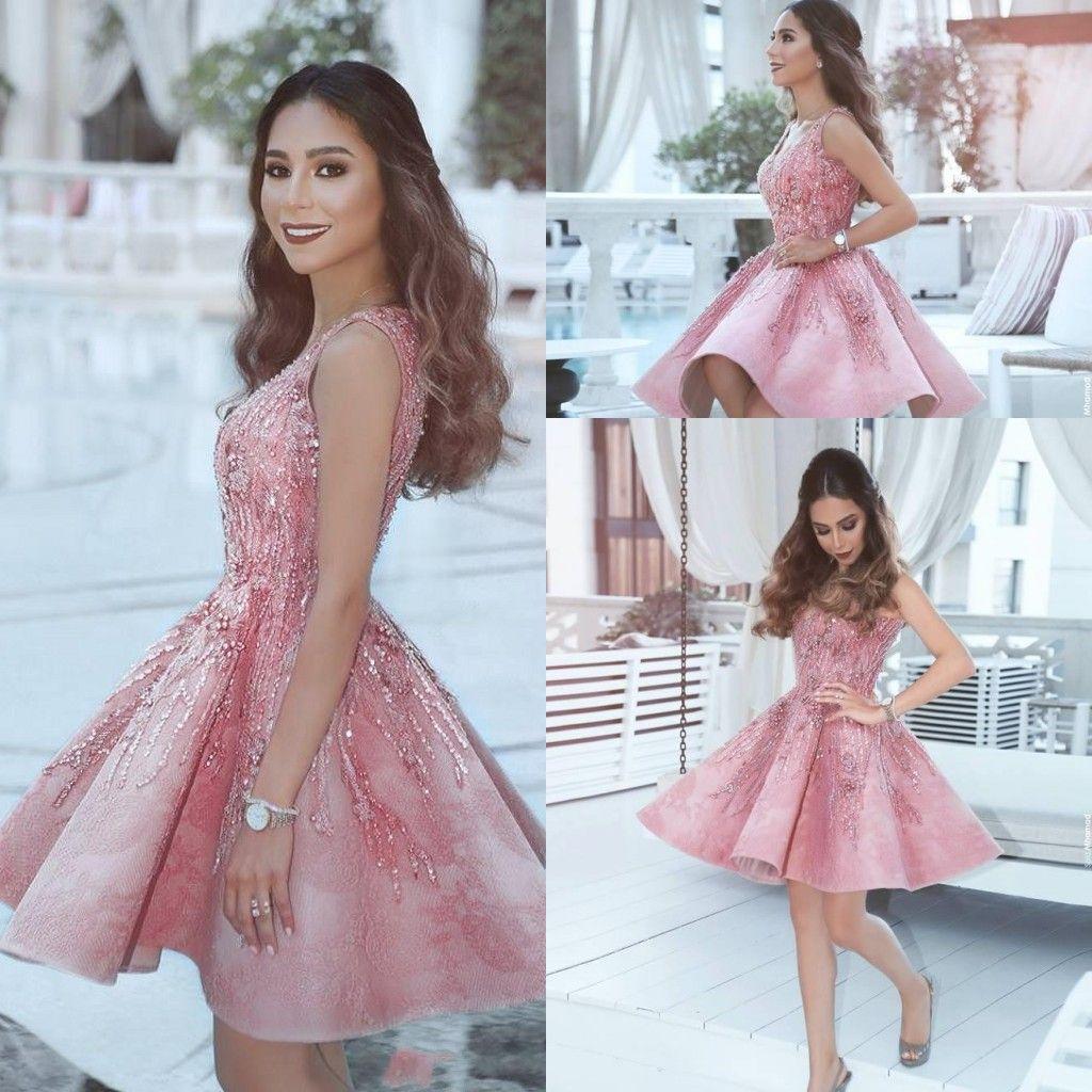 37f0d4bcae Vestidos Dia A Dia 2017 Curto Mini Rosa Vestidos Homecoming Querida Frisado  Cristal Lantejoulas Bling Apliques Doce 16 Árabe Vestidos De Festa Vestidos  De ...