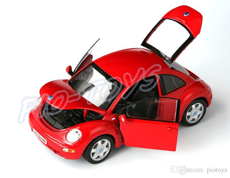 Cute Gift Maisto Beetle 1:18 Metal Model Sedan Car Mini Collection Vehicle Classic Model Scale Alloy Toys House Decoration