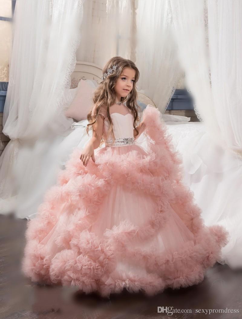 Arabski 2017 Sheer Neck Floral Flower Girl Sukienki na ślub Kryształy Tiers Dziecko Korant Suknie Pierwszy Komunion Suknie Custom Made Contaż