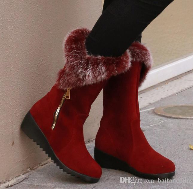 Compre 2016 Nuevas Mujeres Botas De Invierno Talones Hasta La Rodilla Botas  Calientes De Algodón Acolchado Zapatos Mujeres Altas Cuñas De Gamuza Botas  De ... e095012a96fd