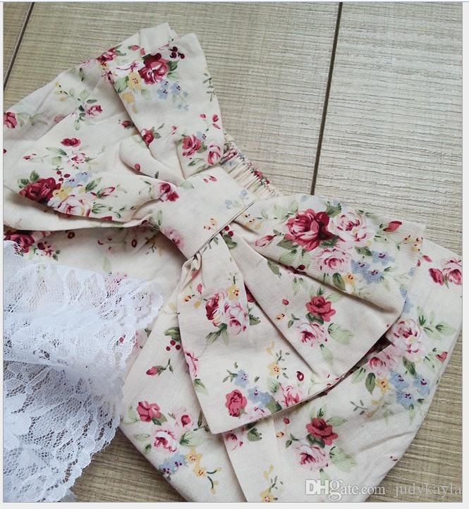 2016 лето малыш Детская одежда белое кружево без рукавов жилет + цветочные печатных шорты + диапазон волос 3 шт. наборы Детские младенцы наряды девочка костюм