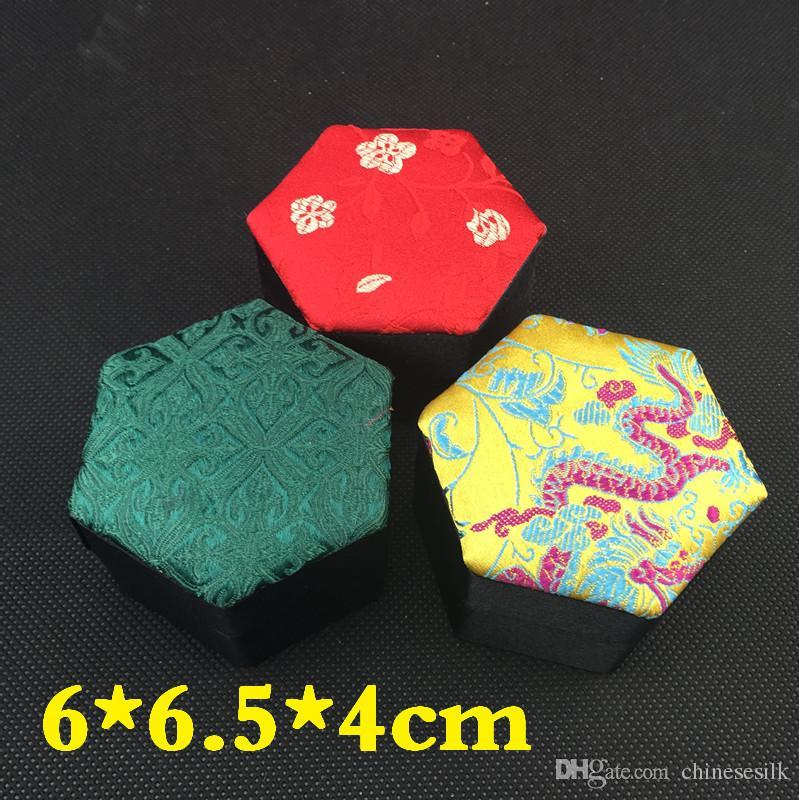 Contenitore di regalo piccolo del mestiere floreale ovale la scatola di immagazzinaggio dei gioielli Contenitore di pendente decorativo dell'orecchino dell'anello del cartone del broccato di seta all'ingrosso