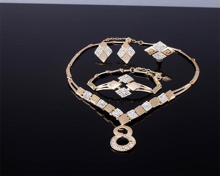 африканские ювелирные изделия 2016 Новая мода горный хрусталь партии ювелирных изделий женщин 18K позолоченные геометрические свадебные наборы ювелирных изделий 4-х частей Оптовая JS074