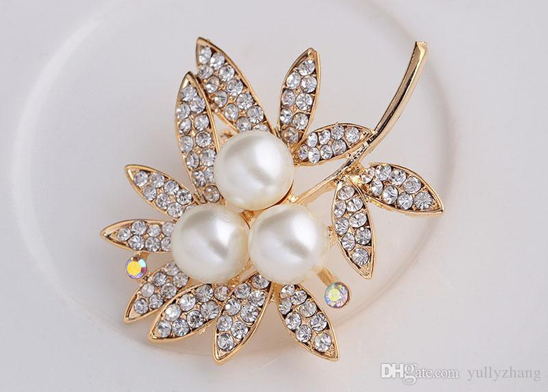 Fashion pearl brooch pinsHight Quality White Crystal pin Brooch Bouquet Rhinestone Brooches pin 2016 wedding dress accessoriesB077