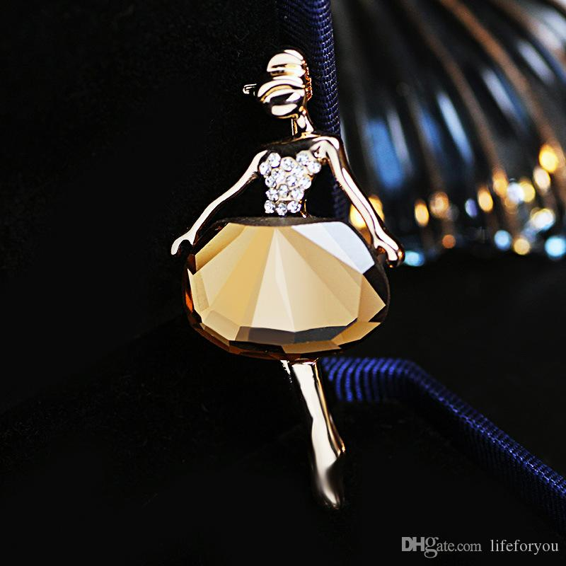 Vintage Crystal Rhinestone Brooch Pin Gold-plate Alloy Faux Diament Broach for bridal wedding costume party dress Pin gift 2016 fashion