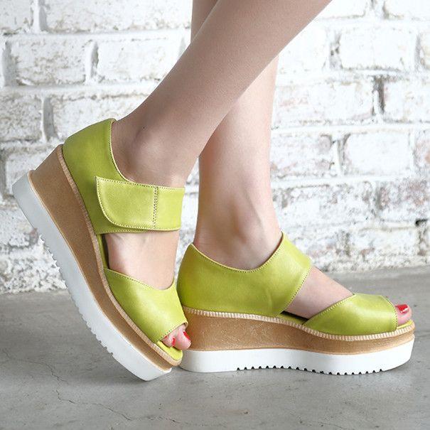 Women's Velcro Beach Sandal Thick Soles Shoes
