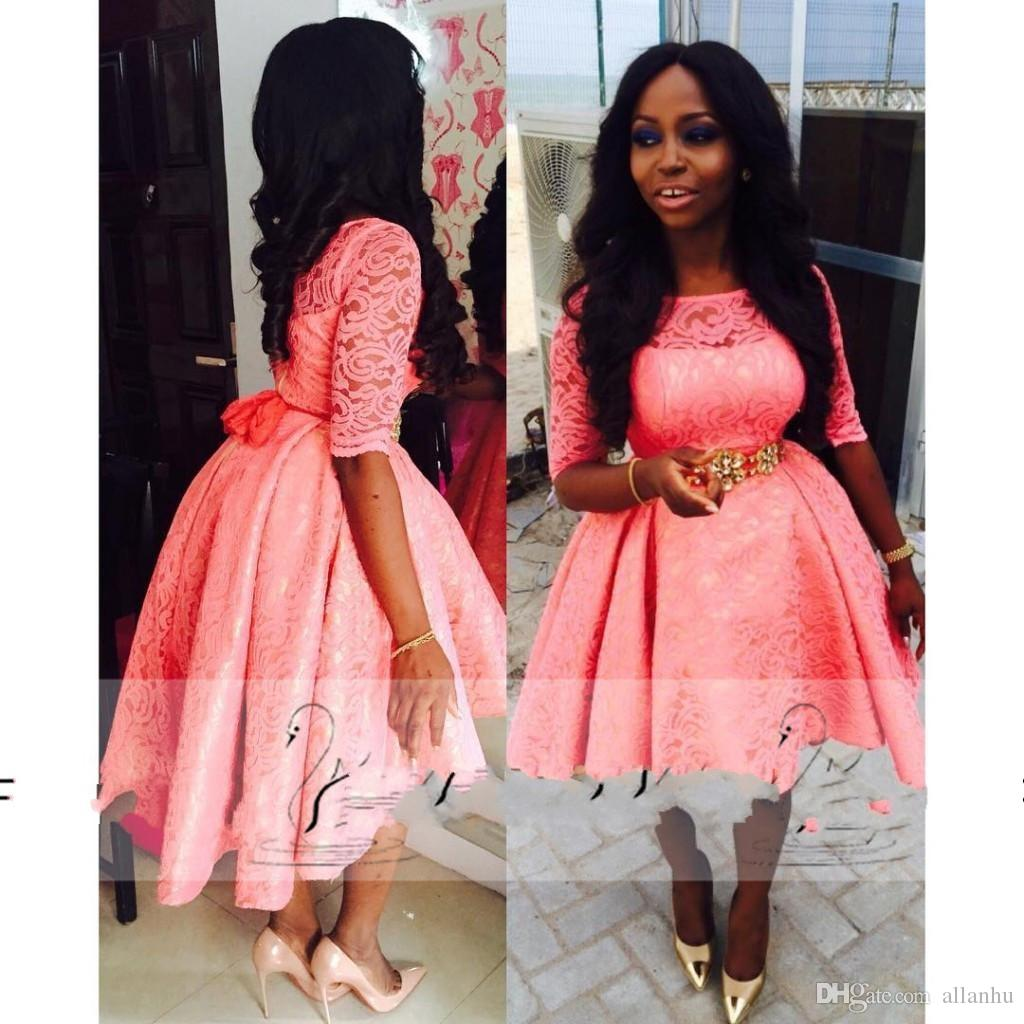 Nijeryalı 2018 Mercan Homecoming Elbise Jewel Boyun 1/2 Kollu Hi Lo Bir Çizgi Dantel Aplike Kısa Balo Parti Törenlerinde Custom Made Giyer