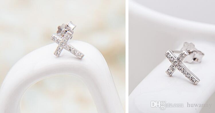 Top Grade Silver Earrings Girl Hot Sale Crystal Crosses Stud Earrings for Wedding Party Fashion Jewelry Wholesale 0020WH