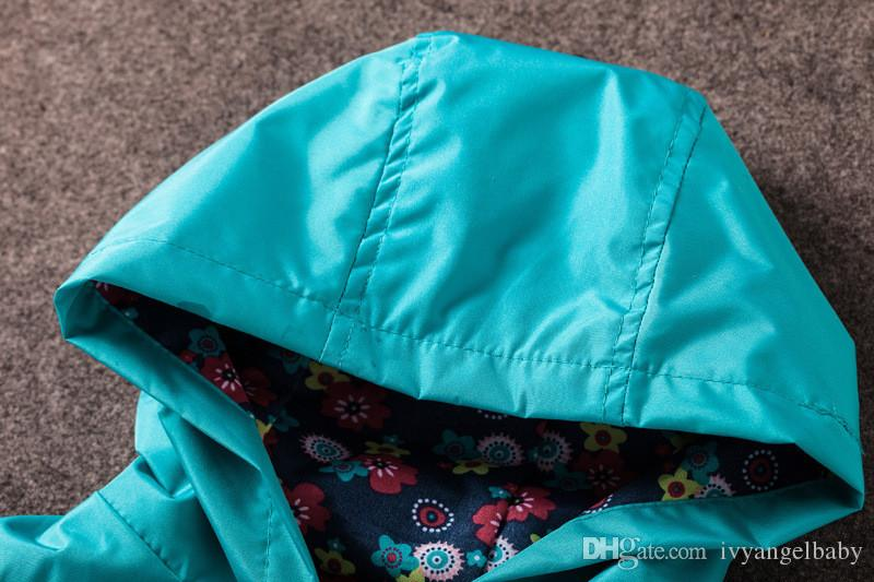 2017 Girls Jacket Children New Coat Hooded Fashion Casual Sweatshirt Button-Down Jackets for Girls Waterproof Raincoat Kids Clothes