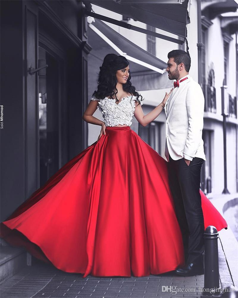 2019 두 조각 라인 댄스 파티 드레스 길이 길이 Strapless Applique 짧은 소매 시폰 저녁 가운 플러스 크기 파티 가운