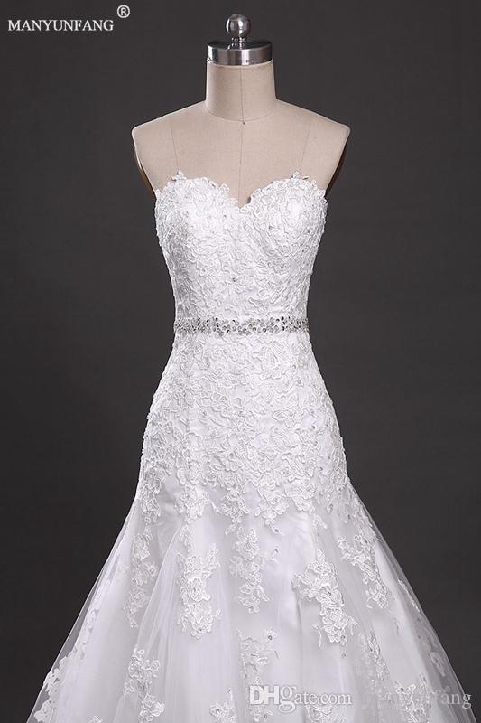 2020 Vintage bohème robes de mariée Une ligne Backless Sheer dentelle bretelles Robes de mariée avec perles Sash Pays Brides train chapelle