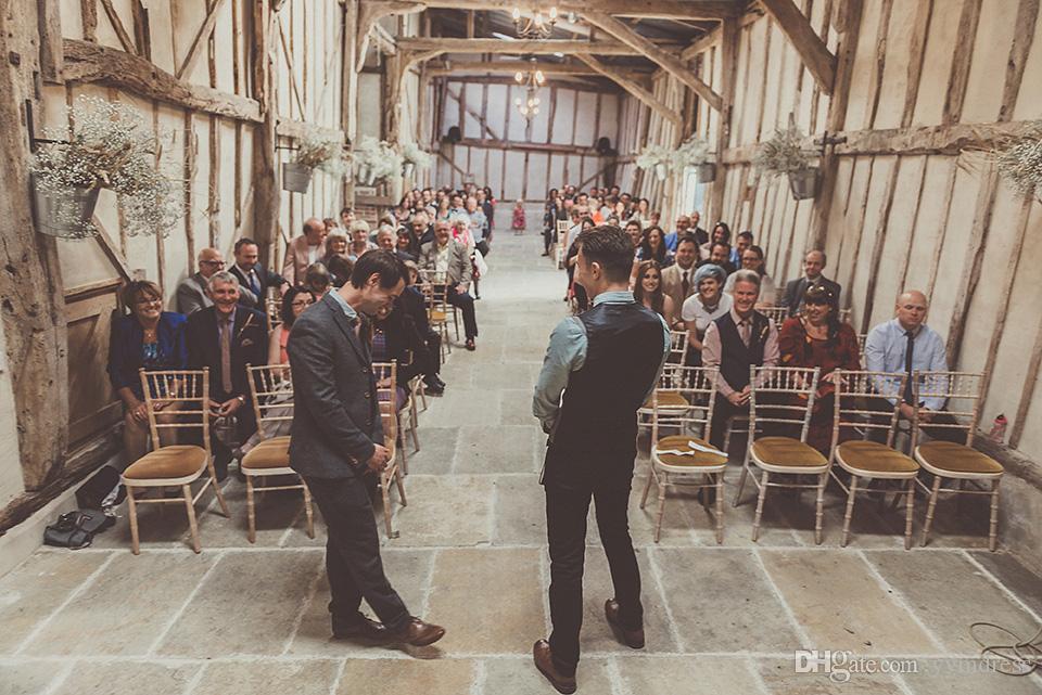 2019 Chalecos de lana modestos para el novio Estilo británico Chalecos de traje de los hombres Ajuste delgado Vestido de los hombres Chaleco Chaleco de boda Vestidos de padrino de boda por encargo