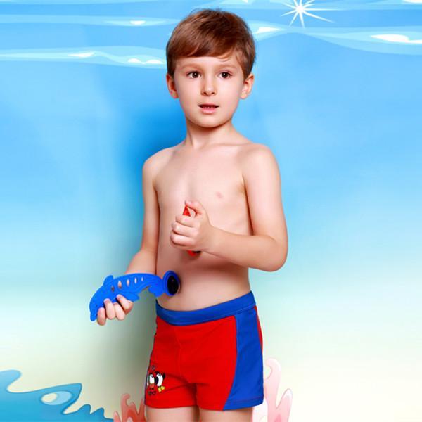2016 new boys swimming trunks cartoon penguin outdoor sports spa trunks kids swim briefs small childrens students swimwear slip de bain