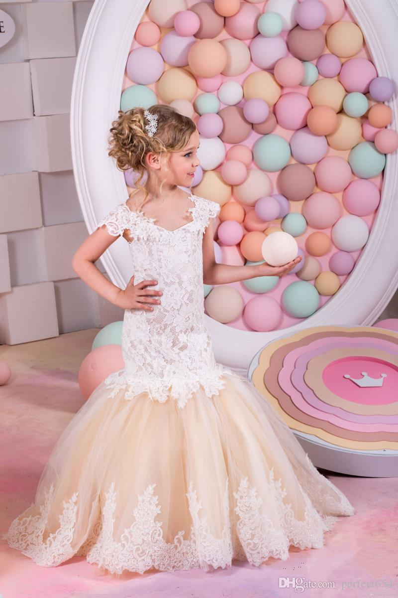 Compre 2017 Niñas Vestidos De Novia Barato Del Hombro Apliques Con ...