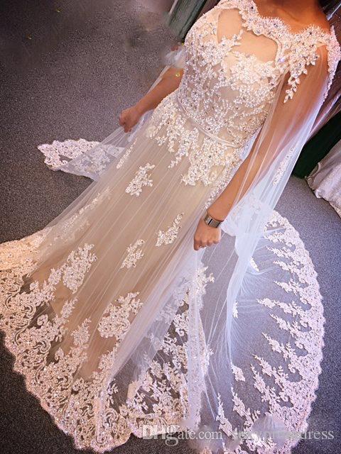 놀라운 레이스 Applique 비즈 웨딩 드레스 2017 Tulle Long Cape Bridal Gowns 아이보리 플로어 길이 웨딩 드레스 맞춤 제작