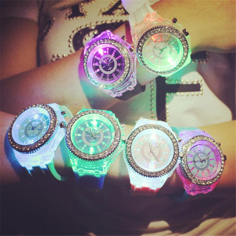 Noctilucent Student Sport Watch LED Rhinestone Seven Color Lovers Luminous Wristwatch Silicone Jelly for Children Fashion Boys New Arrival