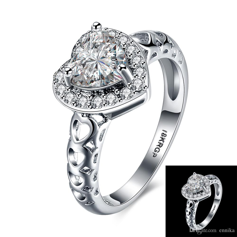 Christmas Gift 18K Gold Plated Ring , Size 6 7 8 9 Selling Sale Hollowed Insert Zircon Hearts Ring Fashion Women's Jewelry R832