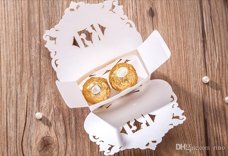Favores de la boda Cajas de dulces Carriage Cajas de regalo de chocolate Papel de encaje romántico Favores de la caja del caramelo Favores de la caja del caramelo de la boda Favor