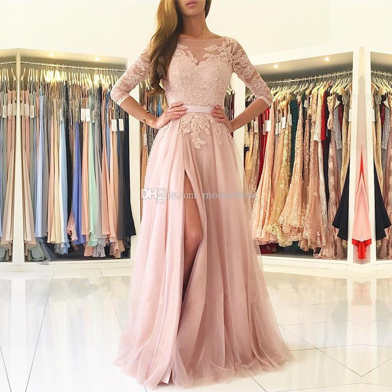 Rubor rosa Dividir largas damas de honor 2020 Sheer cuello 3/4 manga larga de encaje apliques Criada del honor País Invitado de boda Vestidos barato