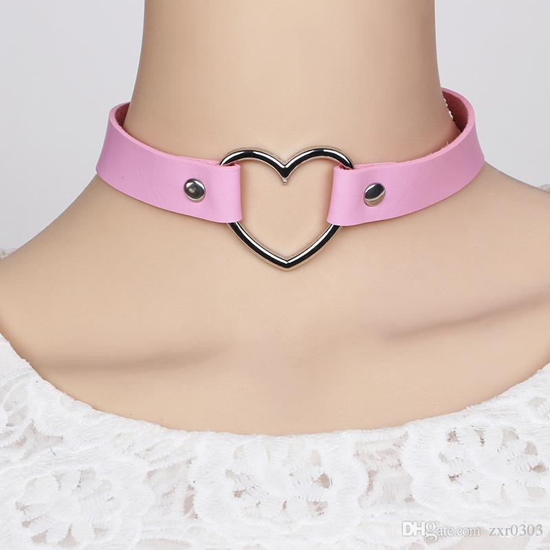 Moda Sexy collar de las mujeres Punk Gothic Gargantilla De Cuero collar Corazón Tachonado Spike Rivet Hebilla Collar Funky Torques Collar Joyas