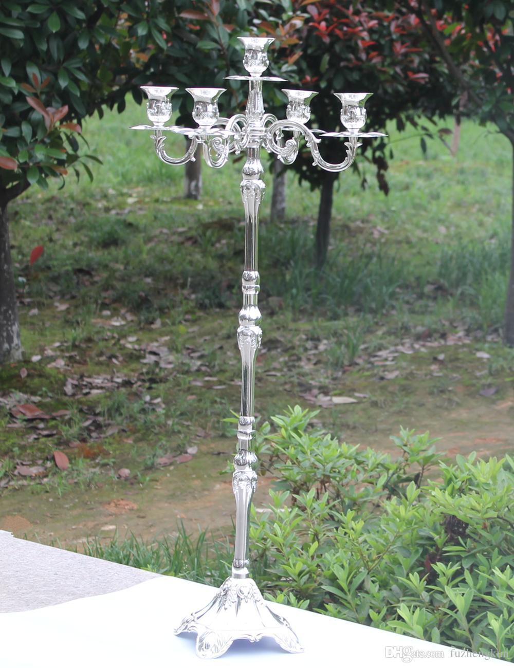 Glänsande Silver Plated Candelabra, Enviromental Zinc Alloy Material 83cm Bröllop 5-armar ljushållare, ljussticka för fest eller evenemang