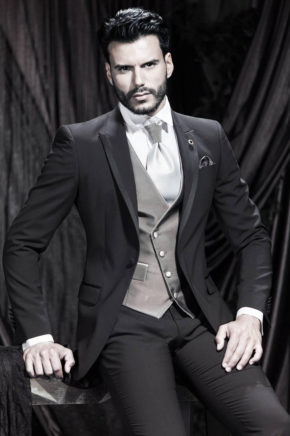 New Designer Modern 2015 One Button Charcoal Customized Mens Suit ...