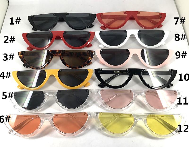 4cf0aefb45560 Compre Novas Mulheres Do Vintage Triângulo Óculos De Sol Olho De Gato Meia  Armação Óculos De Óculos De Goggles Cor Splicing Ao Ar Livre Óculos De  Verão ...