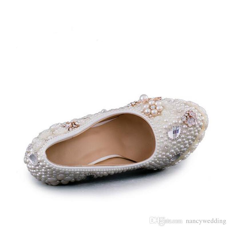 Splendido design fatto a mano scarpe da sposa bianche perla con Folwer Platform scarpe da sposa tacco sottile delle donne pompe di promenade del partito