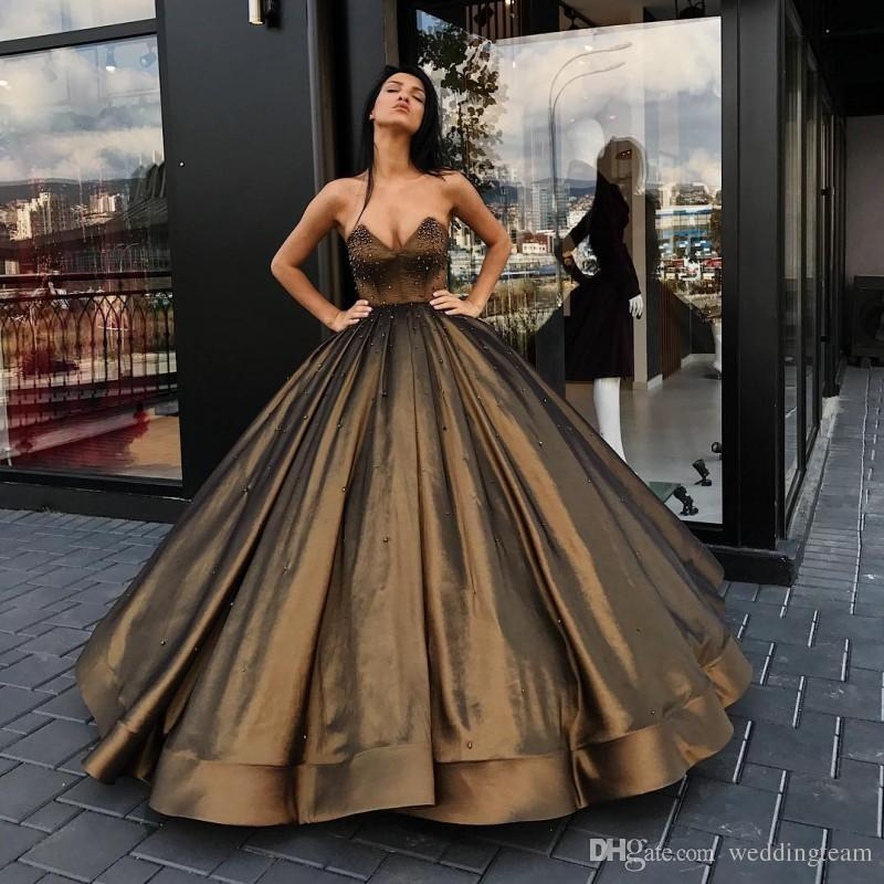 Hot Sale Brown Ball Gown Prom Dresses Beaded Strapless Neck Formal Dress Custom Made Taffeta Floor Length Quinceanera Gowns