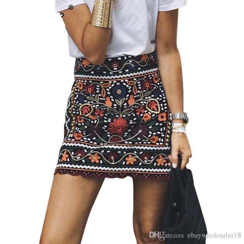 db1f4a9ac Bohemio bordado negro floral falda corta otoño étnico invierno alta cintura  mujeres delgadas falda Vintage 90 mini faldas