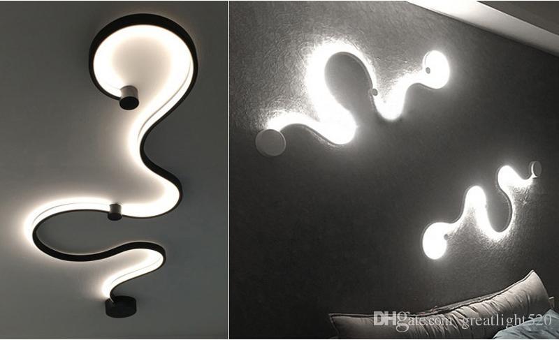Новый творческий акриловые Кривый свет змея светодиодные лампы Северной ремня LED настенное бра для декора